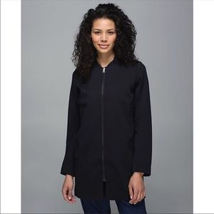 Lululemon Carry-all coat black 10